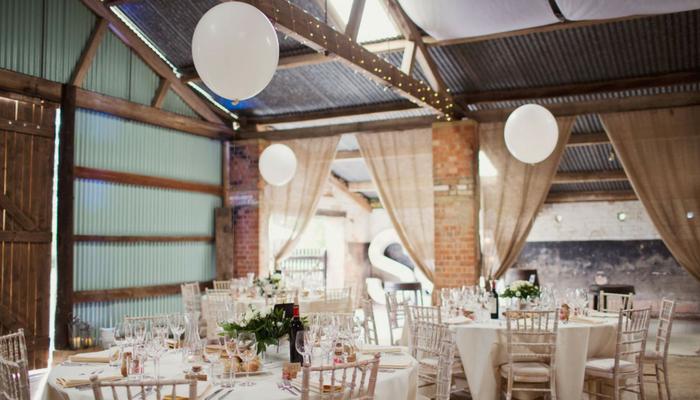 Outdoor Wedding Venue Northamptonshire - Kingsthorpe Lodge Farm - The Hill Farm House